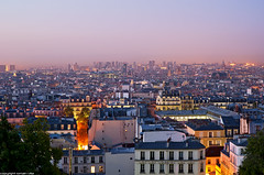 Paris (romvi) Tags: city windows paris france sunrise buildings lights nikon europe cityscape f14 pantheon 85mm notredame amanecer villa centrepompidou romain ville beaubourg levdesoleil immeubles batiments samyang lumires d700 romainvilla fentres romvi samyang85mmf14