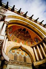 Saint Mark's Basilica (elrina753) Tags: venice italy art architecture buildings europe italia churches mosaics christianity catholicism venezia byzantine sanmarco piazzasanmarco stmarkssquare stmarksbasilica basilicas patriarchalcathedralbasilicaofsaintmark basilicacattedralepatriarcaledisanmarco