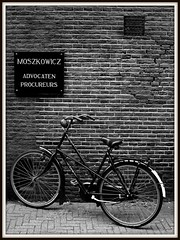 Crisis (World of Pjotr) Tags: bike crisis bycicle advocaat moszkowicz