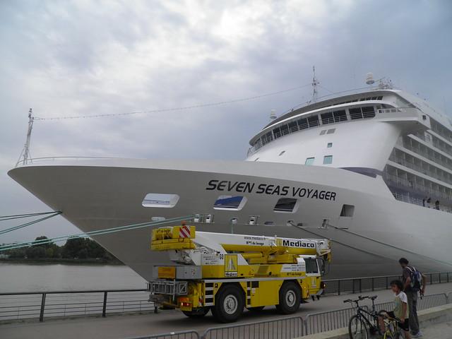 Installation de la passerelle - Seven Seas Voyager  - Bordeaux - P8220134