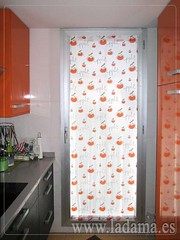 "Visillo para puerta de Cocina Naranja • <a style=""font-size:0.8em;"" href=""http://www.flickr.com/photos/67662386@N08/6476372655/"" target=""_blank"">View on Flickr</a>"