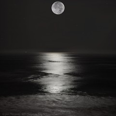 Full Moon over Half Moon Bay (Images by John 'K') Tags: california moon eclipse fullmoon halfmoonbay lunareclipse johnk d5000 100offull johnkrzesinski randomok