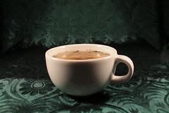 352/365 - 18/12/11 (oana-emilia) Tags: macro green cup tea cupoftea hotdrink 365project 3652011 365the2011edition