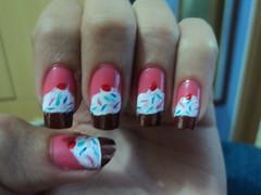 Cupcakes e uma unha quebrada !! (Luana Moreno) Tags: art nail 9ml clubedoesmalte