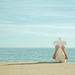 Día CLXXI (Soler, Laura) Tags: sea españa woman color beach landscape mar mujer spain playa paisaje minimalist minimalista surrealista