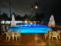 Piscina (Arimm) Tags: ocean blue sea tree beach water freeassociation pool brasil night swimming umbrella chair palm fz40 arimm fz45