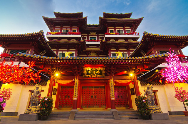 Singapore Buddhua tooth relic temple