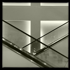 Crisscross (Jeremy Brooks) Tags: sanfrancisco california blackandwhite bw usa blackwhite escalator unionsquare zara iphone fav10 sanfranciscocounty hipstamatic