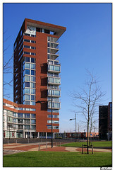 Suburban bell tower (UF 99) (AurelioZen) Tags: tower netherlands barendrecht vinex suburbanisation carnisselande gebiedsontwikkeling avenueplaza suburbanisatie middeldijkerplein steenhuisbukmanarchitecten tamronsp1750mmf28xrdiiildifvc surburbanization