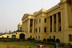 Hazarduari Palace (The Spiritual Globetrotter) Tags: palace westbengal murshidabad