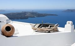 barca (cabite30) Tags: island greek mar santorini grecia casas