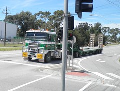 K104 (atkinson3800) Tags: truck prime low transport australian semi lorry transportation aussie dolly float loader heavy kenny mover truckin kw kenworth haulage kdub k104 doolans kwhopper