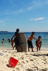 Praia de Ipanema_Rio de Janeiro (FM Carvalho) Tags: sea brazil praia beach rio brasil riodejaneiro de mar sony cybershot praiadeipanema sonycybershot ipanema brsil ipanemabeach hx9v sonyhx9v