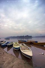 Boats at Ravi River, Lahore (яızωαи) Tags: morning pakistan mist nature fog clouds river boats floating ravi anchor za lahore f28 banks ssm hydrology 1635mm دریا لاہور کے widescape راوی دریائے variosonnart281635 کنارے دریاراویکےکنارےپرکھڑیکشتیاں