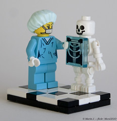 X-Ray (MorsLEGO) Tags: skeleton lego xray minifig collectible vignette minifigure surgeon moc series6