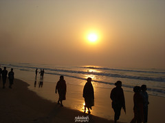 sUnriSe shOtS (rabidash*) Tags: india beach nature beautiful sunrise golden fantastic dash orissa rabi puri rabindra rabidash odisha blinkagain rkdash photocontesttnc12 sunriseonpuribeach rabidashphotography naturearttnc12