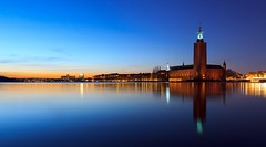 Stockholm City Hall (Stockholms stadshus) Blue Hour (Maria_Globetrotter) Tags: city longexposure winter beautiful night reflections hall sweden stockholm cityhall clear bluehour february marias stadshuset stadshus 2011 stockholmcityhall stockholmsstadshus blåtimmen