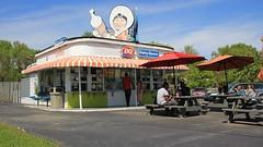 Dairy Queen Store 1950's style (Laurence's Pictures) Tags: park urban building downtown north tourist carolina dairyqueenicecreamstand1050sdinerdriveindivedqberkshirehathawaycharlotte
