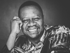 Mille mercis #papaWemba #idole  Que son me repose en paix #hero #heritage #legend En nous, vous restez vivant, de gnration en gnration.Matre d'cole,matre des lves.L'icne de la #culture congolaise.Roots la source d'inspiration. #Rumba rocks RIP (samarkhouryofficial) Tags: heritage rumba culture hero legend idole papawemba