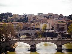 Los puentes sobre el Tevere (Leandro Fridman) Tags: street city urban roma ro river nikon bridges ciudad tiber tevere puentes urbano d60