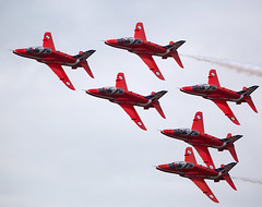 Red Arrows (Bernie Condon) Tags: team hawk military jet formation arrows reds bae trainer redarrows raf warplane aerobatic royalairforce rafat