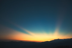 20/30: mountains in the sky (next_in_line) Tags: light sunset sky mountains twilight romania rays munţii parâng