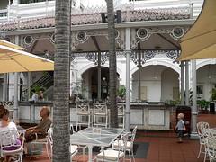 Raffles hotel  Singapore (Adfoto) Tags: city english architecture hotel singapore colonial british stad architectuur raffles engels brits koloniaal