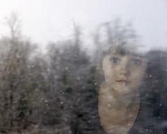 ______________ (wanda.dschmidt) Tags: schnee snow color reflection window girl photo fenster spiegelung mdchen farbfoto