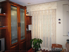 "Cortinas Clásicas con Bando • <a style=""font-size:0.8em;"" href=""http://www.flickr.com/photos/67662386@N08/6501346429/"" target=""_blank"">View on Flickr</a>"