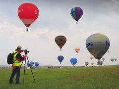 the balloon hunter (mujepa) Tags: france balloons photographer hunter lorraine hotairballoons photographe montgolfire chasseur chambley doubleniceshot mygearandmepremium rememberthatmomentlevel1 rememberthatmomentlevel2