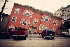 2022-2030 Jones St, Russian Hill, San Francisco, CA, USA (Leighton Wallis) Tags: sanfrancisco california ca orange usa house fog unitedstatesofamerica hill carpark streetsofsanfrancisco russianhill lean units jonesst