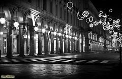 ...Natale in Via Roma... (davep.ictures) Tags: street light bw art torino photo nikon strada foto bn luci viaroma turin portico lucidartista 2011 porticato d90 davepictures davideposenato