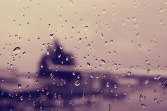 Gotas (Campanero Rumbero) Tags: travel viaje lluvia quito ecuador airport day dia gotas ala turismo avion