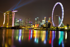 singapore countdown 2012 - laser show (Kenny Teo (zoompict)) Tags: reflection river landscape yahoo google scenery cityscape view casino laser getty cbd kenny marinabaysands singaporeflyers artsciencemuseum singaporelowerpiercereservoir 2012newyearcelebration