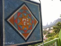 Bem-Vindo 2012! (Carla Cordeiro) Tags: sol origami mandala paisagem patchwork teresópolis borda dobradura dedodedeus panô azullaranja cantomitrado orinuno