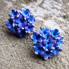 Blue flower earrings (Saffron Addict) Tags: brooch polymerclay hollow