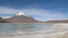 Laguna Verde (diegoamora) Tags: titicaca copacabana lapaz estadios sucre uyuni potos oruro cochabamba elalto lagunaverde isladelsol coroico salardeuyuni lagunahedionda lagunacolorada desiertodedal