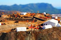 (SKTB3000.NET // Fotografa) Tags: model mine tent mining tienda mina mineral shovel quarry ts cantera digger maqueta tiltshift powershovel fakemodel efectomaqueta