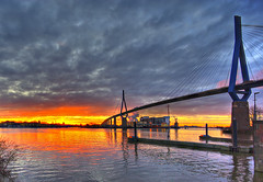 Khlbrand sunrise / Explore (matt.koerner1) Tags: bridge sunrise germany deutschland pentax harbour hamburg matthias brcke sonnenaufgang hdr elbe khlbrand krner sigma1020 k200d mattkoerner1