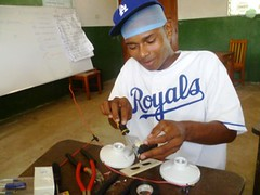 Education for Success Short Vocational Courses 2012: Domestic Electricity 8 (FADCANIC) Tags: nicaragua williamscollege lagunadeperlas saih unanlen fadcanic pearllagoonacademyofexcellence indigenousandafrodescendents