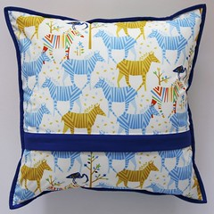 Origami Oasis cushion back (Mary-and-Tobit) Tags: origami oasis patchwork cushion michaelmiller cushioncoversewing