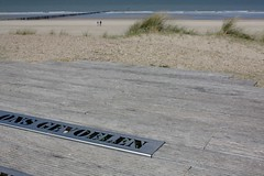 The North Sea (III) (dididumm) Tags: blue sky holland beach netherlands sunshine strand spring dune himmel zeeland northsea blau dyke nordsee dike dne cadzand frhling niederlande levee sonnenschein deich