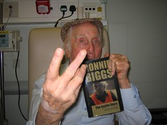 RONNIE BIGGS- THE INSIDE STORY (THE INSIDE STORY 2009) Tags: ronnie biggs