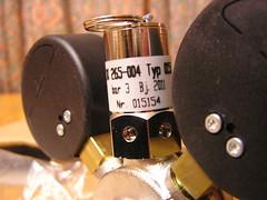 PC241032 Pressure reflife valve (Lord Inquisitor) Tags: gauge reg co2 regulator wingnut shutoff hiwi co2regularor