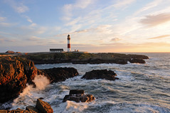 Buchan Ness Lighthouse, Boddam, Aberdeenshire (iancowe) Tags: morning sea lighthouse robert sunrise dawn scotland waves aberdeenshire north scottish east stevenson buchan ness peterhead northernlighthouseboard buchanness nlb boddam lighthousetrek wbnawgbsct