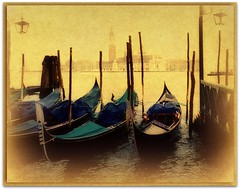 Venice - gondolas at anchor.../ V