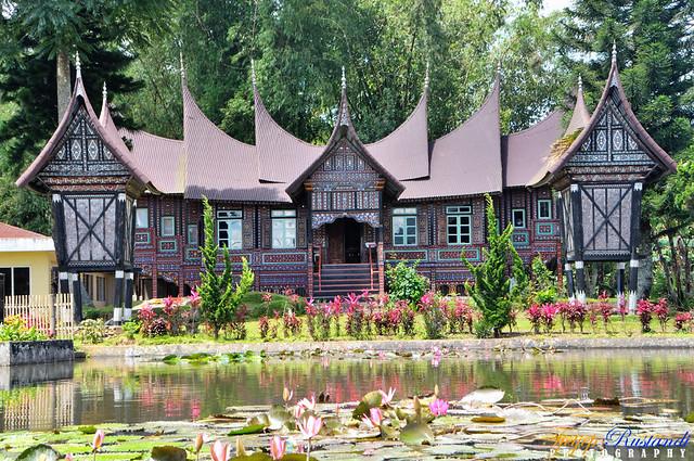Rumah gadang in Pandai Sikek
