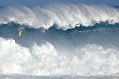 Heavy, Heavy, Heavy. (brodrock) Tags: hawaii surf surfer maui surfing northshore jaws peahi