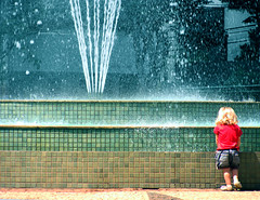 A Fresh New Start (osvaldoeaf) Tags: life new blue red brazil baby water fountain lines childhood contrast start children kid child little young fresh blond goinia begining gois girle