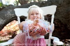 lookingglassphoto-002.jpg (Lookingglass Photography- California) Tags: vintagestyle childphotography fairytalephotography creativekidsphotography littlegirlphotography vintagechildphotography fineartportraitist
